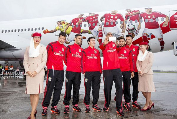 Apresentação avião Emirates ao plantel